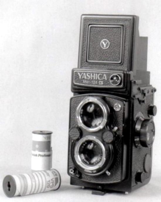 08 Yashica 6x6 Mat124G - 1970
