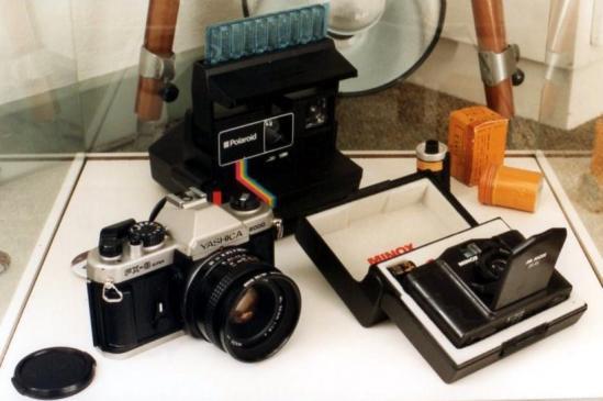 09b anni 70 - polaroid e Yashica