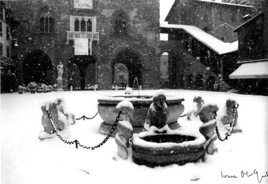 piazza vecchia bianca